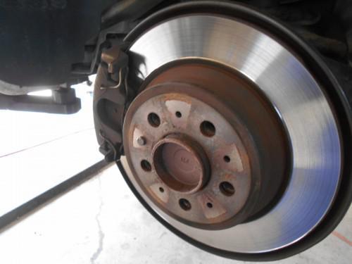 ボルボV70リヤブレーキパット取替とブレーキオイル規格基準
