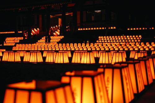 厄除法多山尊永寺さんの万灯祭が7月09日10日に開催