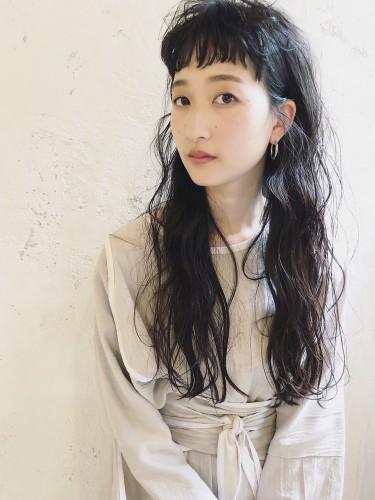 ニュアンスウェーブのオン眉ロング 【 イッシキ ケンタ 】