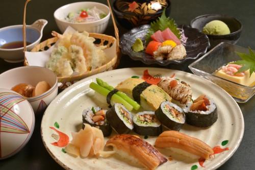 恒例 夏の旬魚コース 3000円→2400円 8月限定
