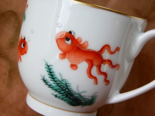 本景徳鎮ホンハイの金魚マグと薔薇マグをヤフオク出品中