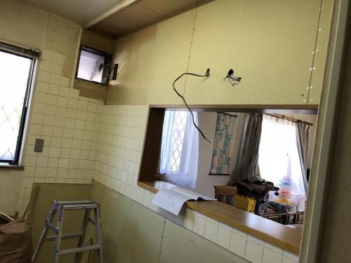 鎌ケ谷市リフォーム工事キッチン交換工事施工。