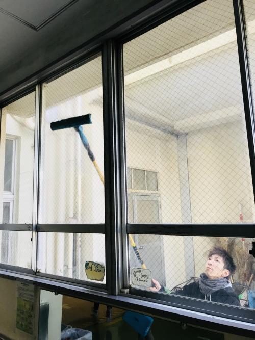 横浜市港南区 プロが行う窓のお掃除なら