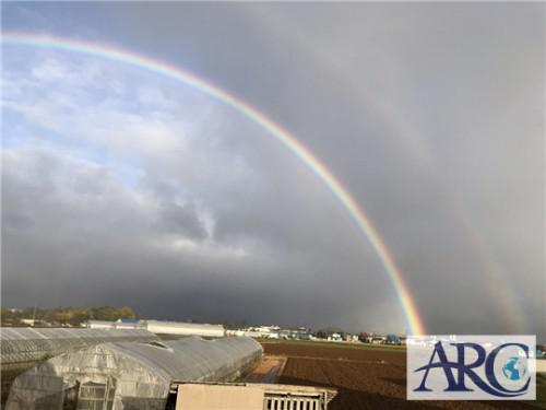 太陽光発電のアークの丘珠物流倉庫で虹を見ました♪♪