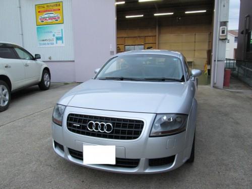 AUDI、TTの天井張替(断熱材も追加)|名古屋市K様のお車