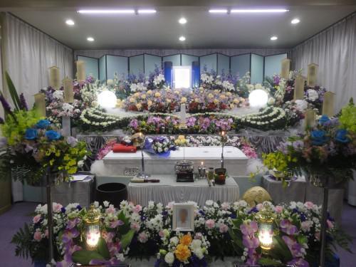 谷塚斎場 家族葬 葬儀 お葬式 火葬式なら まごころC