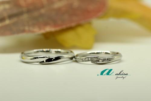 プラチナ台にて結婚指輪の御納品を致しました