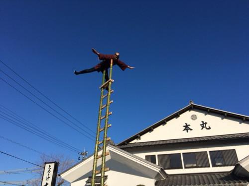 1月三日は本丸駐車場で小笠若鷹会様による初出があります。