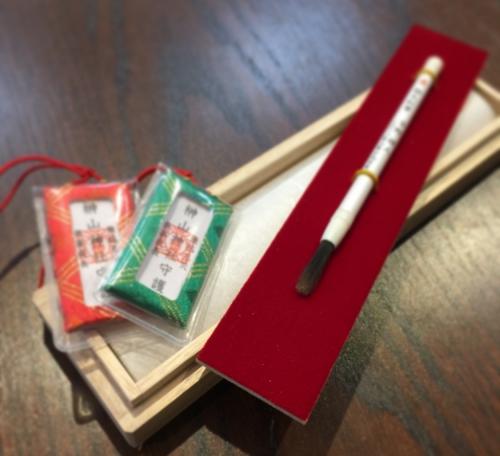 紅筆 小さい赤ちゃん筆