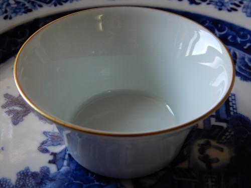 全手工本金彩馬蹄杯-本景徳鎮の美しい白磁をご堪能ください