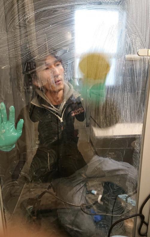 横浜市 お風呂場のガラス磨き(水垢除去)