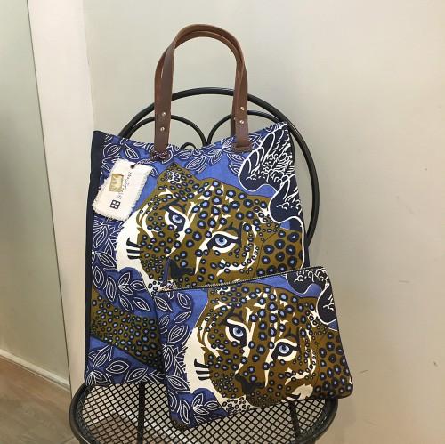 inouitooshのジャガーのバッグ