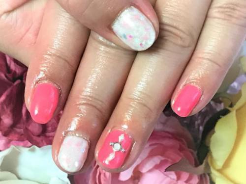春ネイルは、やっぱりピンク