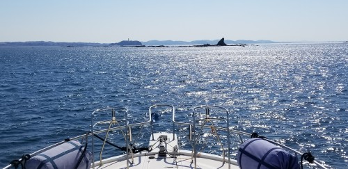 湘南のメッカ、烏帽子岩と江の島