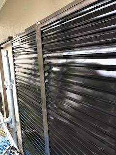 鳩山町で雨戸の塗装工事を施工してきました
