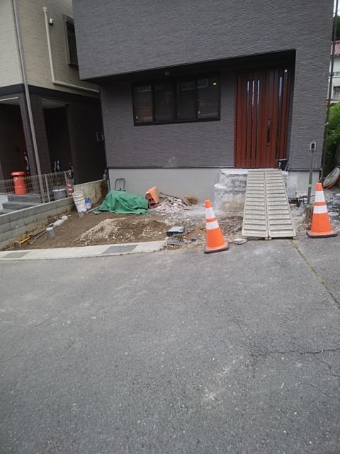逗子市で外構工事。