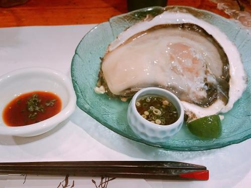 デッカイ牡蠣です( *゚A゚)