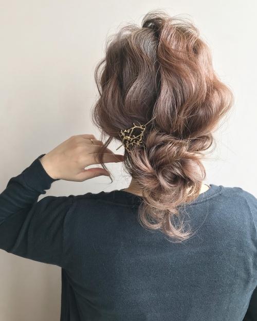 お団子スタイル ふわふわアレンジヘア