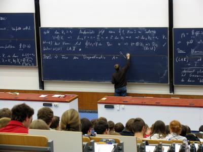 口語英文法を、正しい発音で、大脳に構築させる、英文法教室
