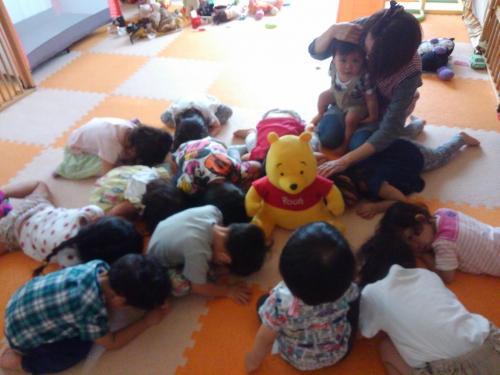 毎月の避難訓練、今月は地震!大変、みんな集まれー!