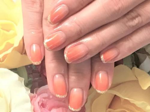 夏の大人のネイルにはダークオレンジがオススメ
