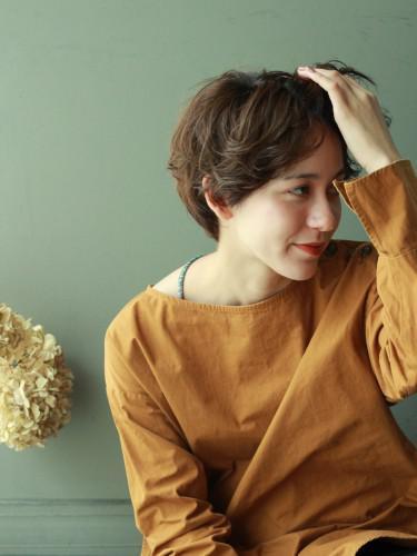 ふんわりウエーブ くせ毛も活かせるショートヘア