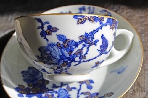 紅茶にも珈琲にも、薔薇と鳥の絵付けのカップ&ソーサー