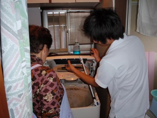 洗濯機(洗濯槽)の汚れ除去(分解クリーニング)