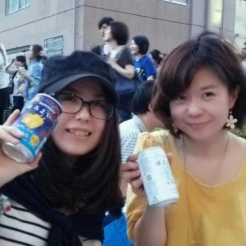 関東で人気の江戸川花火大会で女子盛り上がり♪