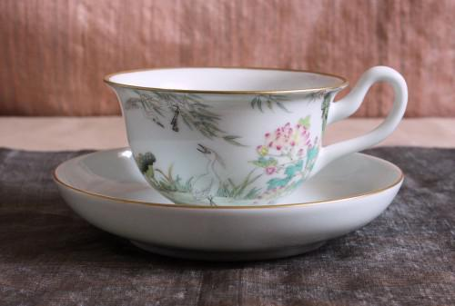 中国古典絵画を今によみがえらせる白鷺のカップ&ソーサー
