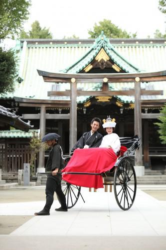 日本古来からの結婚式、和装で行う神前式 浅草婚