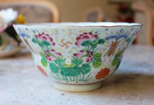 艶やかな蓮花、西太后が愛した華やかな碗