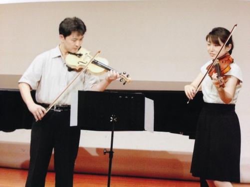 初めてのバイオリンレッスン。駅前教室で