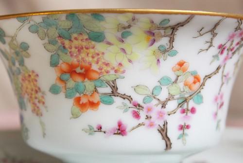 静かで美しい百花のカップ&ソーサー