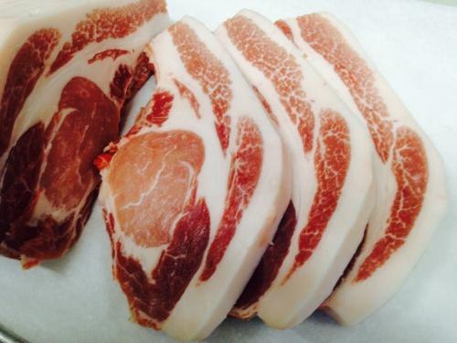 今日は豚肉の富士豚